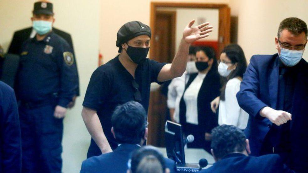 Ronaldinho fue liberado en Paraguay luego de cinco meses de detención