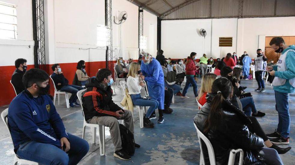 Vacunación contra el COVID-19 en Rafaela: insisten en convocar a los jóvenes