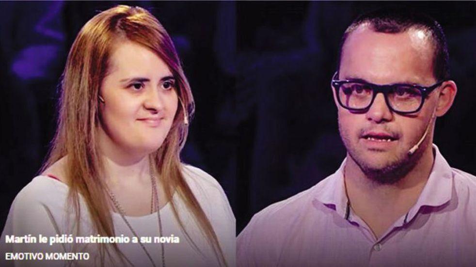 Le propuso matrimonio en televisión (Telefe)