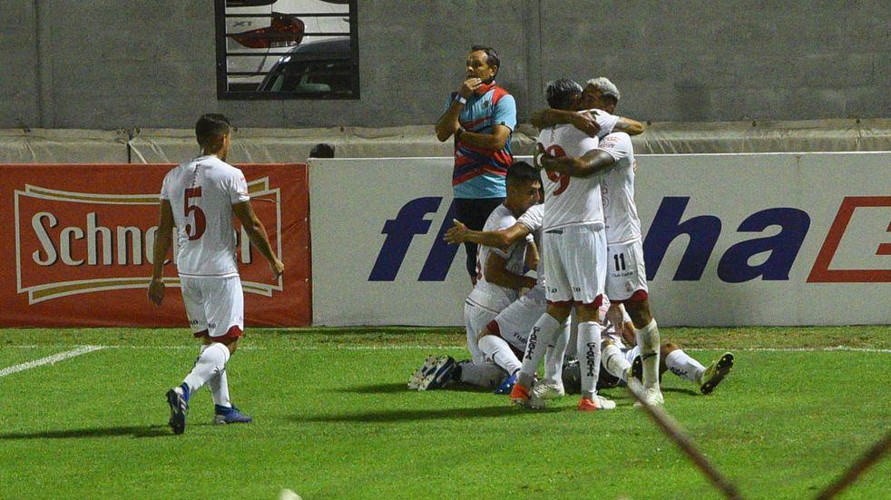 Huracán Las Heras venció a Arsenal de Sarandí y pasó a los 16avos de final de Copa Argentina