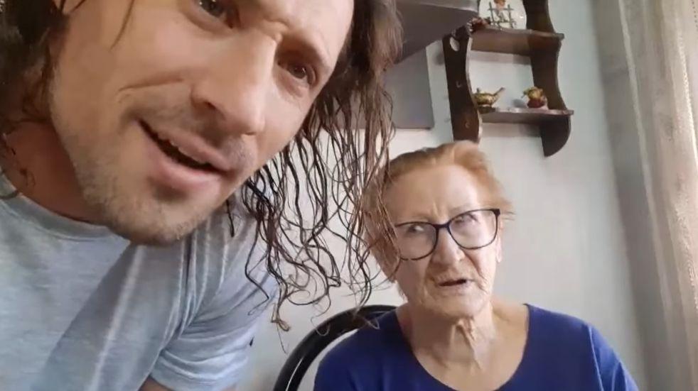 """Una abuela y su nieto se volvieron virales tras un especial pedido: """"Que me devuelvan la dentadura"""""""
