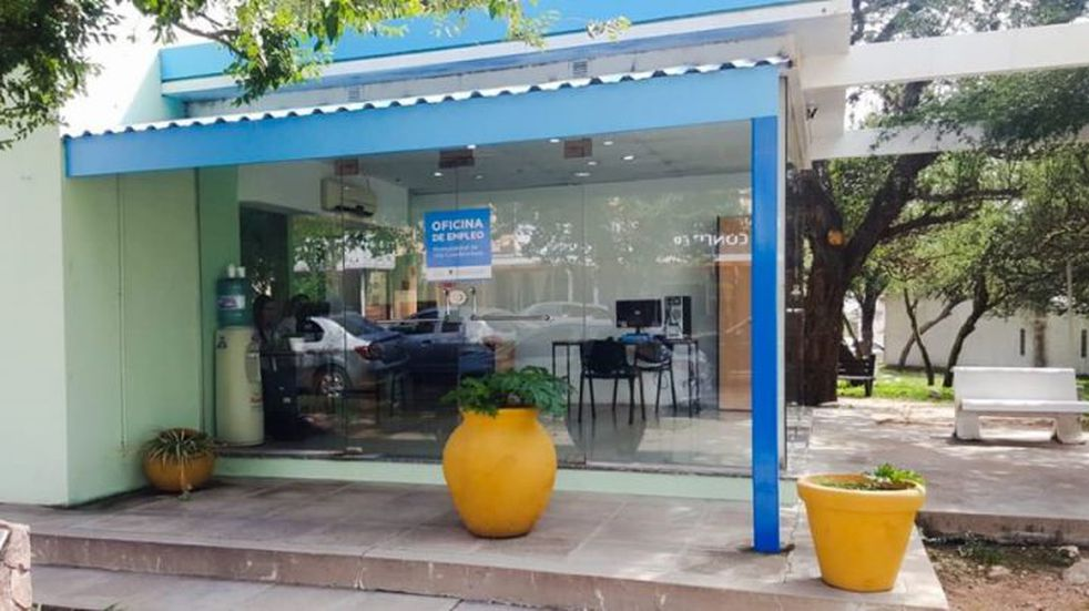 La oficina de empleo realizó tramites a la comunidad Brocheriana