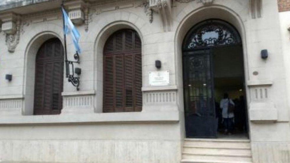 Denuncian apremios ilegales en una comisaría de la Capital