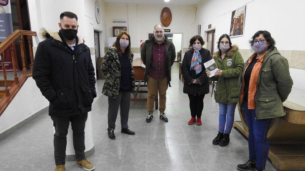 Dirigentes radicales visitaron la Biblioteca Rivadavia