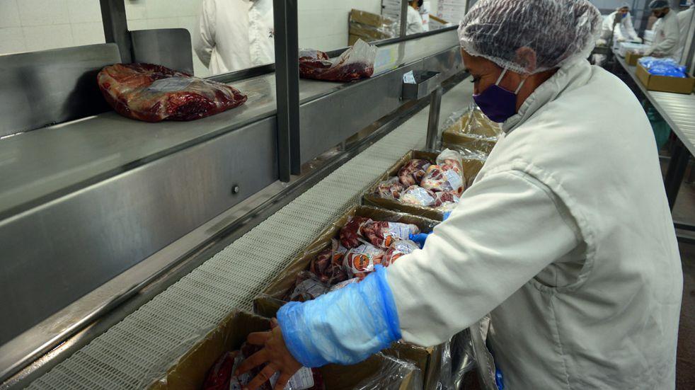 Este jueves llega la carnicería móvil a Rosario:  a cuánto se consigue cada corte
