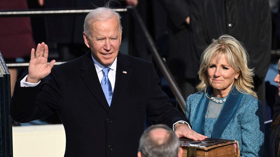 """Joe Biden asumió la presidencia de Estados Unidos: """"No hay tiempo que perder"""""""