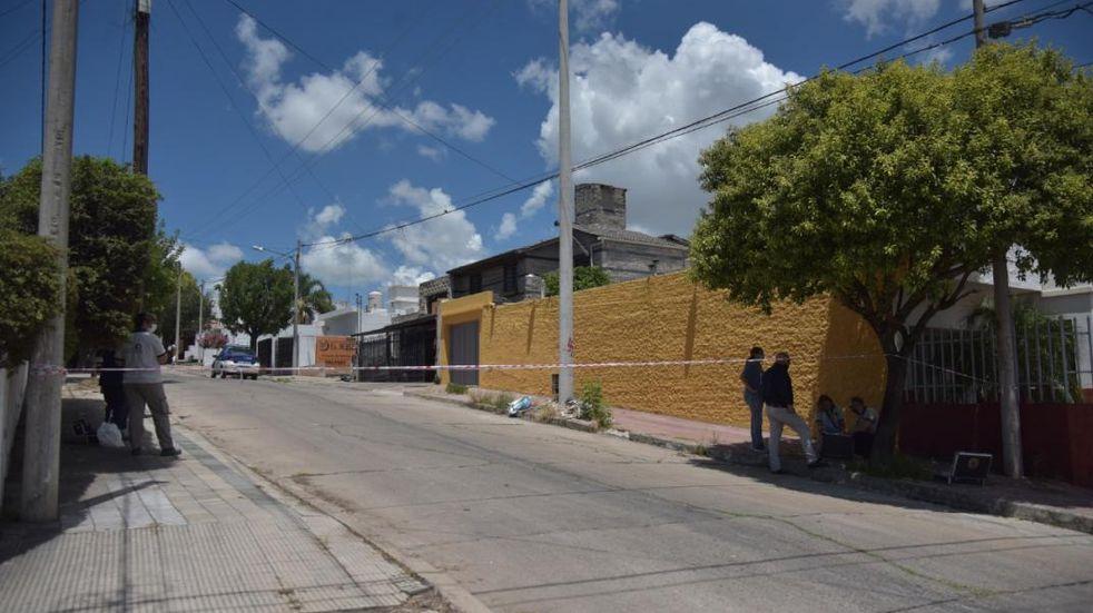 Mataron a un hombre e hirieron a otros dos en barrio Parque San Vicente