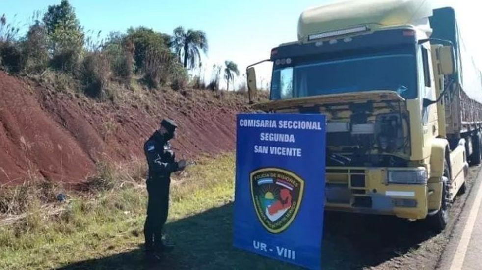 Secuestraron cinco camiones con granos de soja y bolsas de maíz ilegal en San Vicente