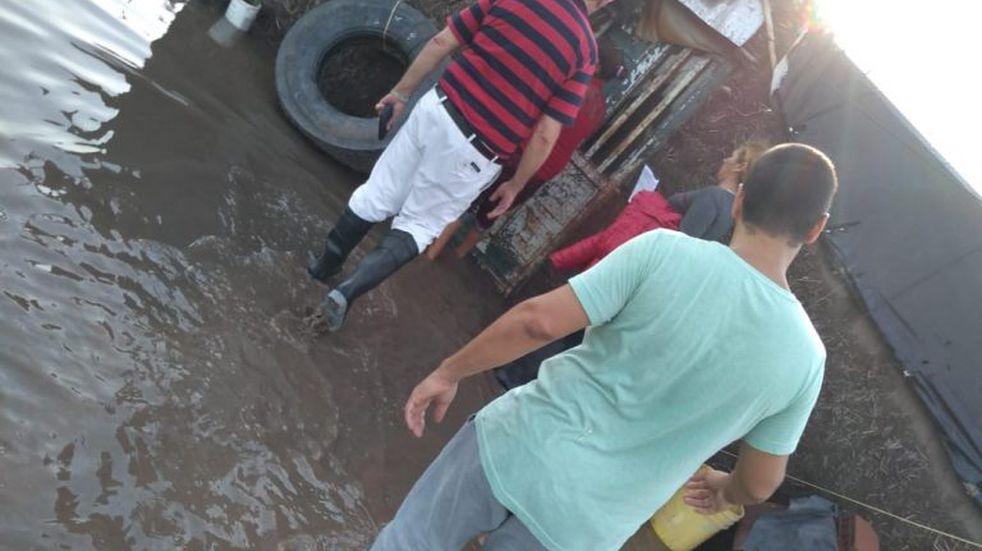 La lluvia obligó a evacuar a casi un centenar de personas en Recreo