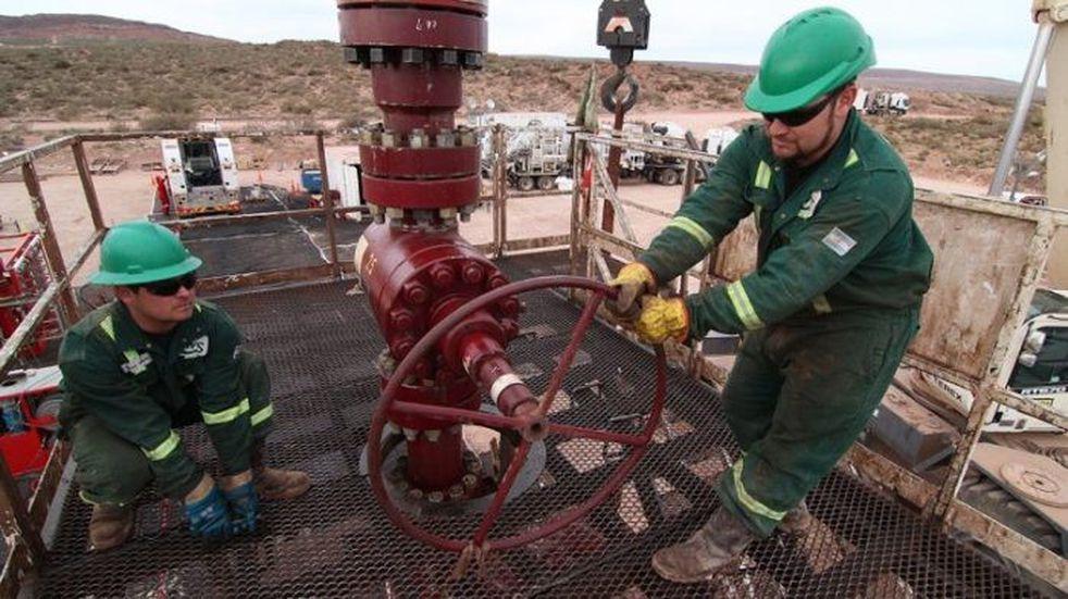Empresas del petróleo deben pagar el aguinaldo y el bono de 30 mil pesos