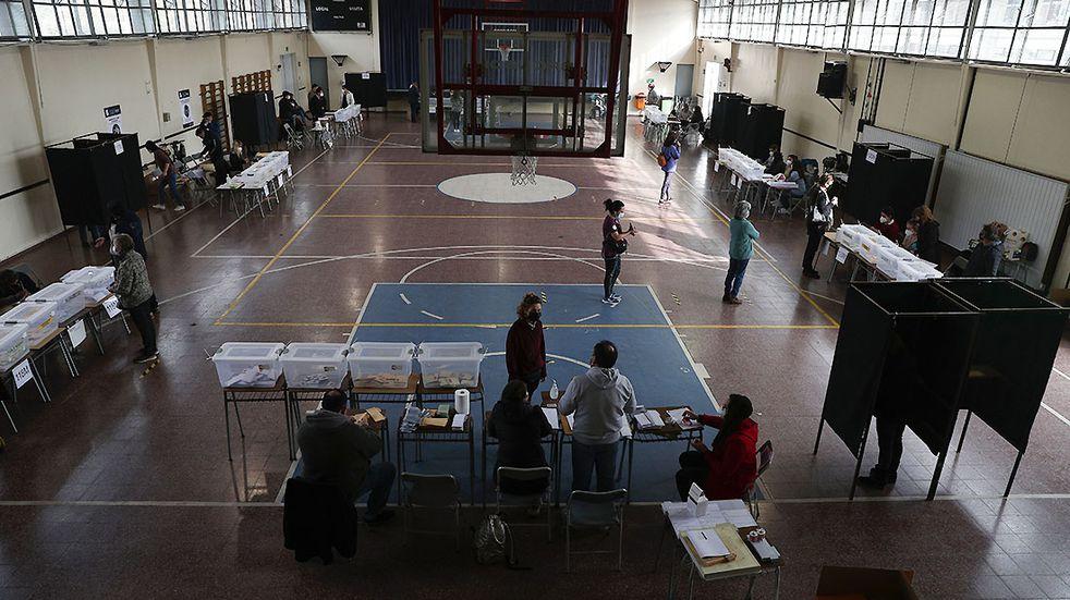 Elecciones en pandemia: Chile dividió los comicios en dos jornadas