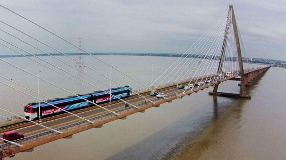 Posadas solicitará que el Puente Internacional San Roque González de Santa Cruz sea habilitado con fines turísticos y familiares.