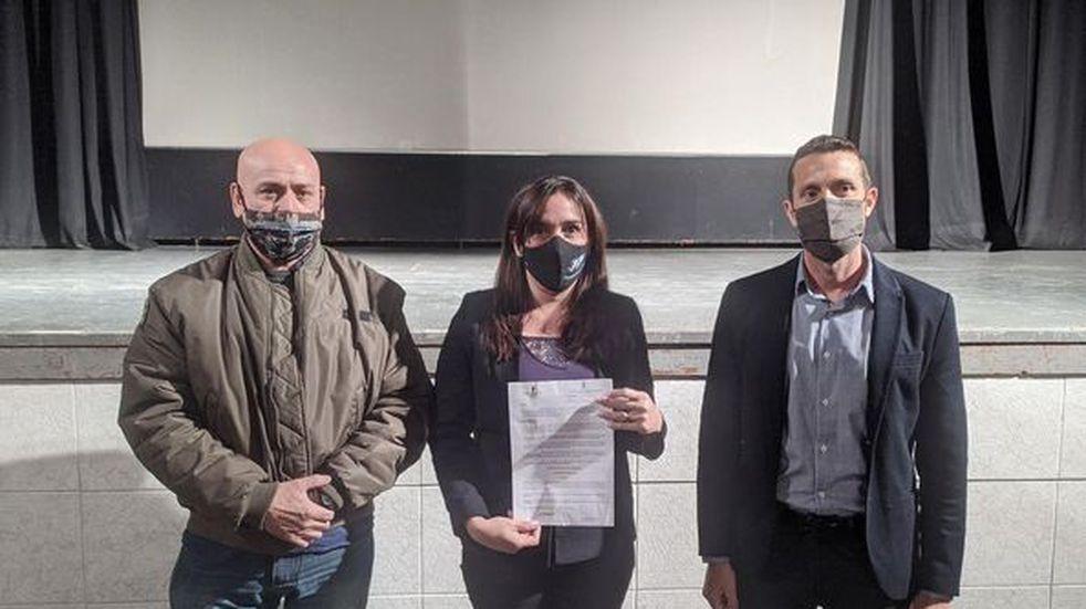 """Se proyectó en Pérez el documental """"Un encuentro con Malvinas"""" (Facebook Pérez Ciudad)"""