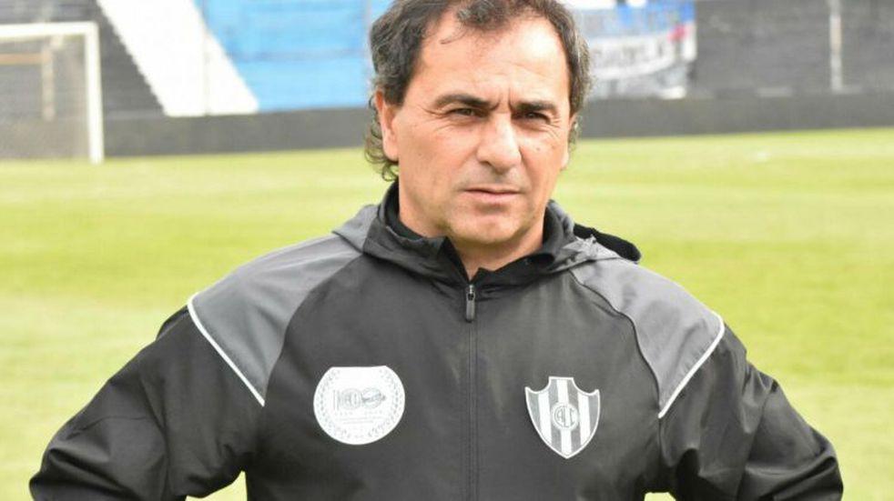 """Gustavo Coleoni: """"Queremos jugar en el estadio, para que nadie diga que no queremos jugar"""""""