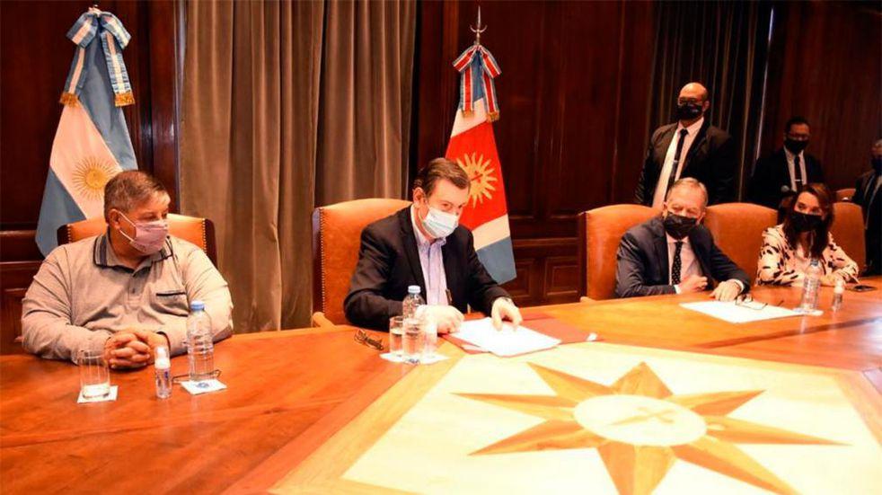 Zamora presentó el proyecto de ley de titularización docente.