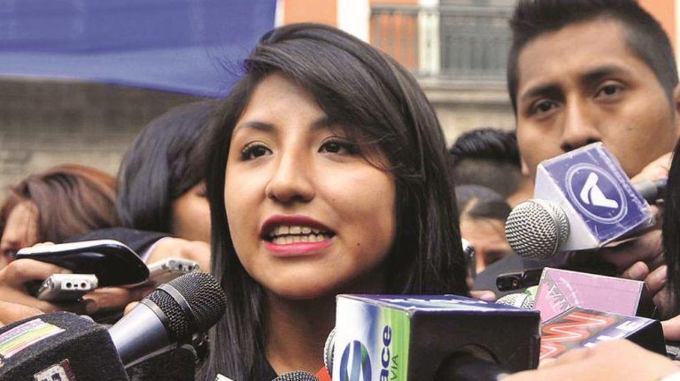 El gobierno autoproclamado de Bolivia autorizó un salvoconducto para la hija de Evo Morales