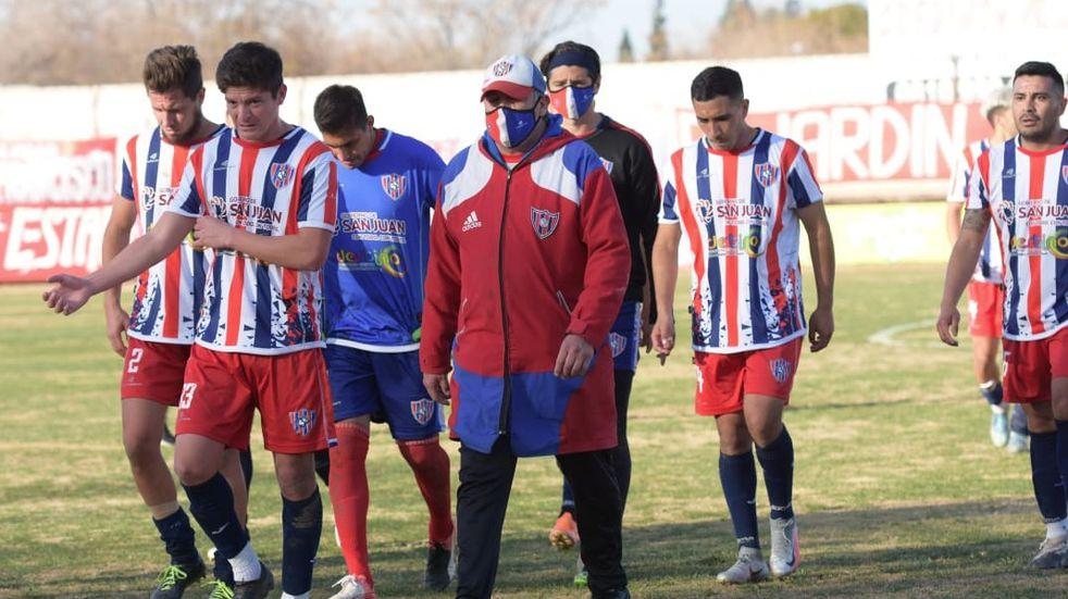 Peñarol en alerta: confirman 2 jugadores con Covid y aíslan a otros 2