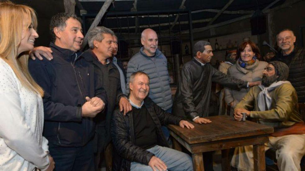 El gobernador visitó el parque temático de Villa Cura Brochero