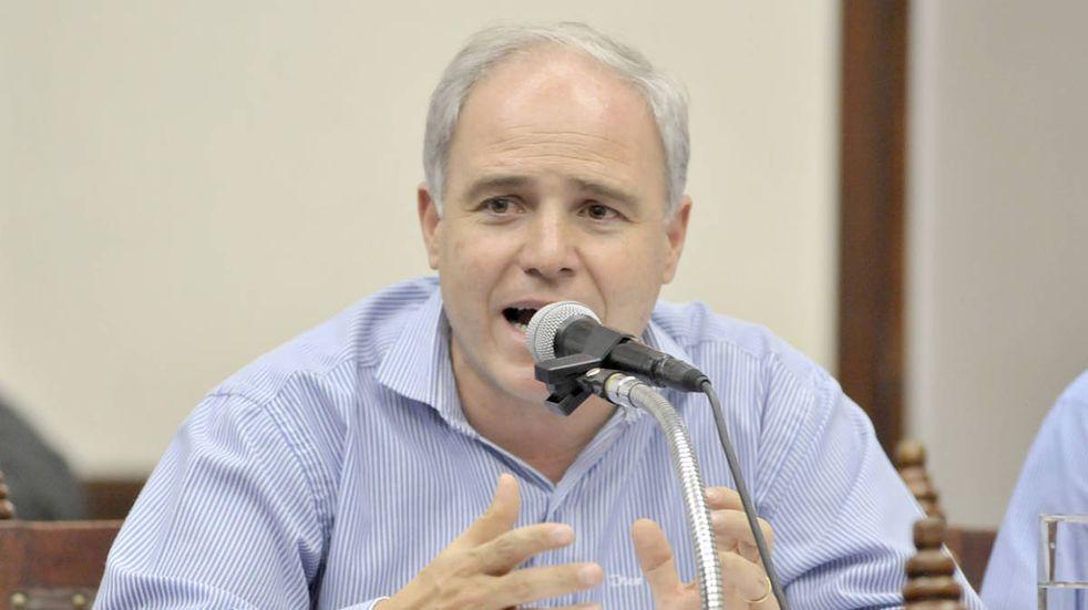 El ministro Cánepa le pidió a los docentes que devuelvan las horas de clases perdidas durante el paro