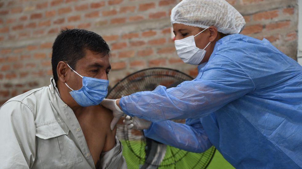 La Capital catamarqueña comenzó a vacunar a su personal estratégico