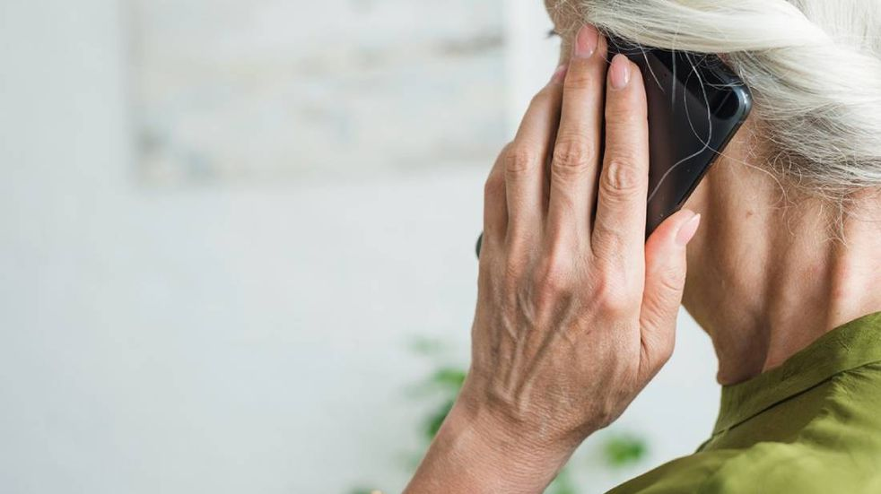 """Una mujer de 93 años entregó 4,5 millones de pesos porque le dijeron que se venía un """"corralito"""""""