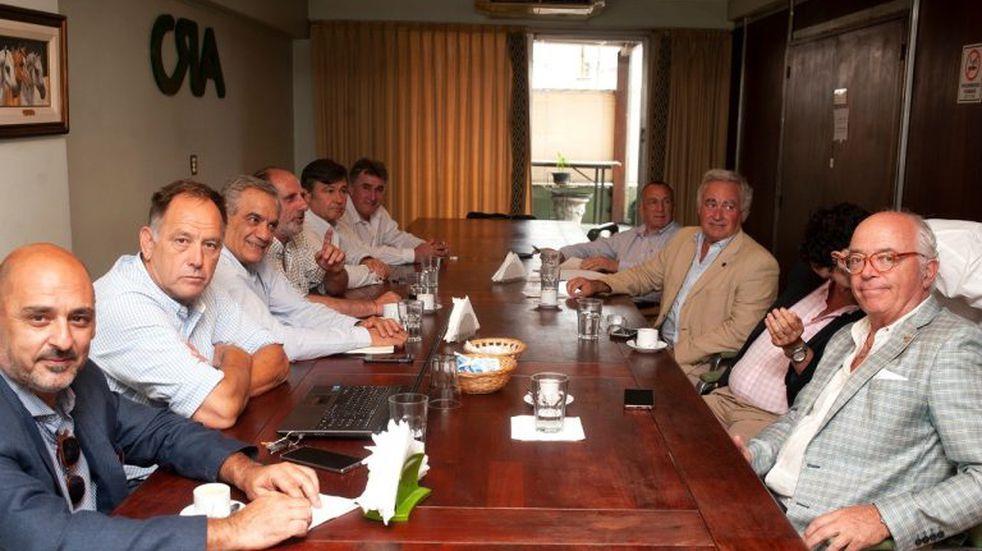 """El Gobierno advirtió a la Mesa de Enlace que """"no se va a mover un centímetro"""" por un lockout"""