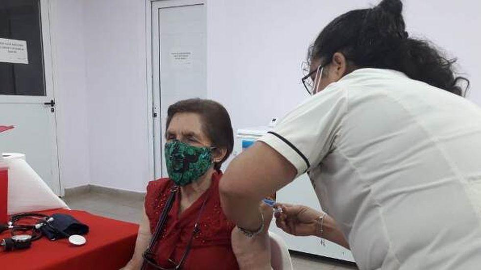 Se duplicó la cantidad de bahienses que completó su esquema de vacunación