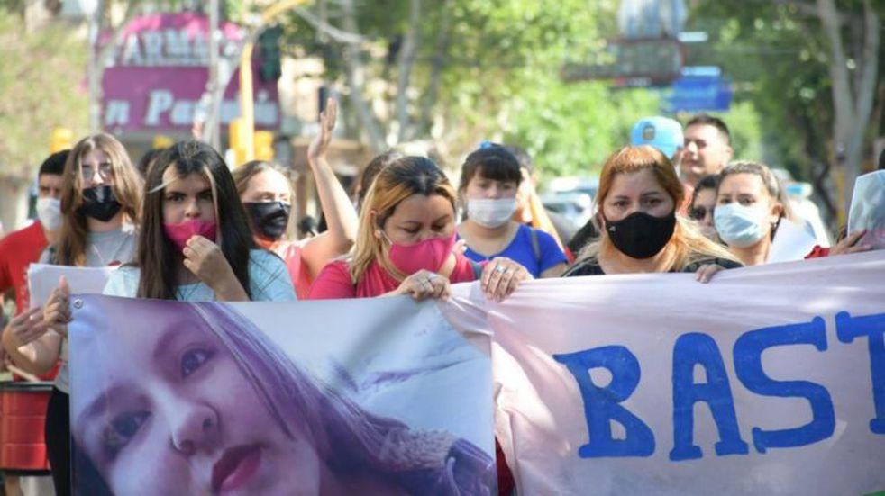 Marcharon para pedir Justicia por la joven que murió sin recibir atención médica