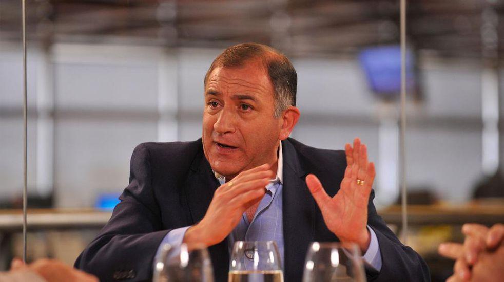 """Luis Juez, y el homenaje de Alberto Fernández: """"Dejá de hacer negocios con los laboratorios que te financian"""""""