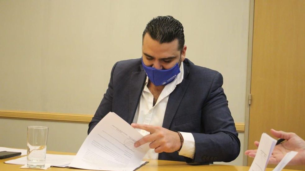 Vuoto suscribió en Nación convenios para acceder a créditos del programa Casa Propia
