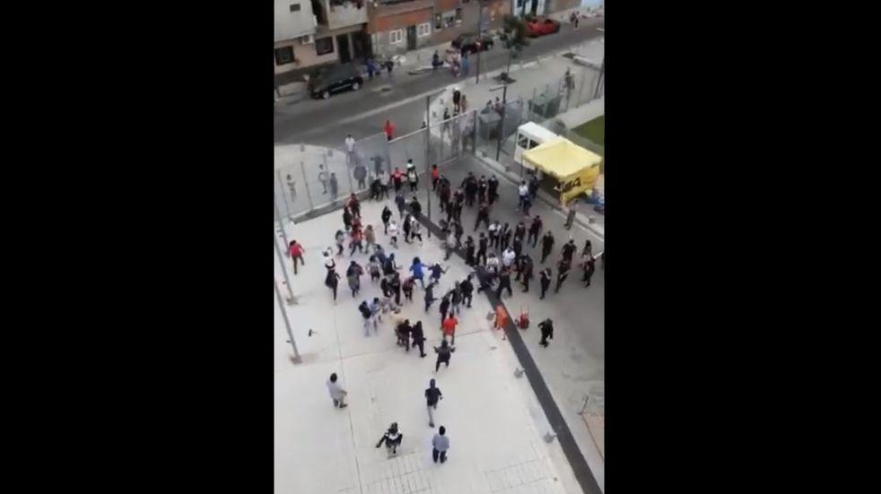 Manifestantes quisieron ingresar al Ministerio de Desarrollo y Hábitat porteño y se enfrentaron con la Policía