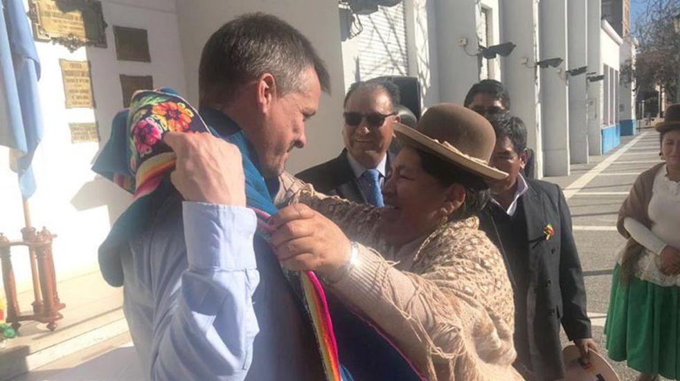 Festejos por la Independencia Boliviana frente a la Municipalidad de Santa Rosa