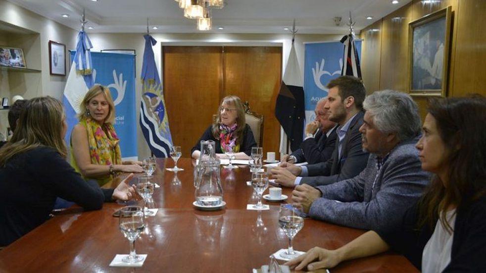 La Gobernadora recibió a las fundaciones ambientalistas que trabajan en Santa Cruz