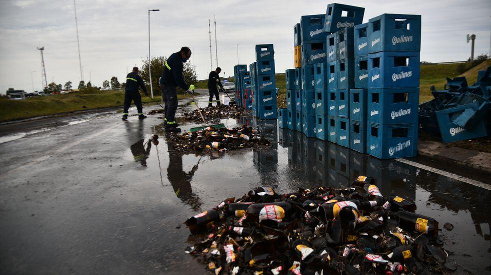 Córdoba: caos vehicular por derrame de cerveza en Circunvalación