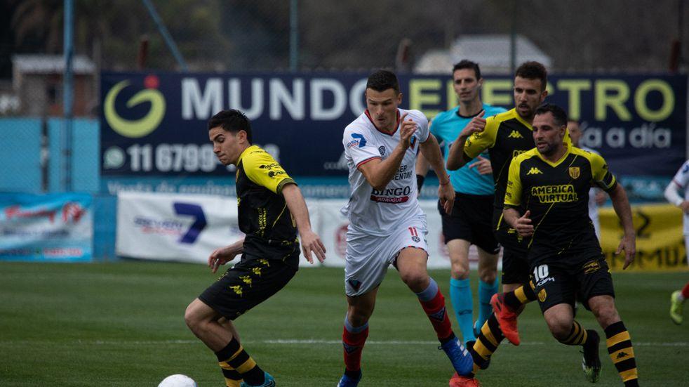 Santamarina de Tandil perdió 2 a 0 en su visita a Brown de Adrogué