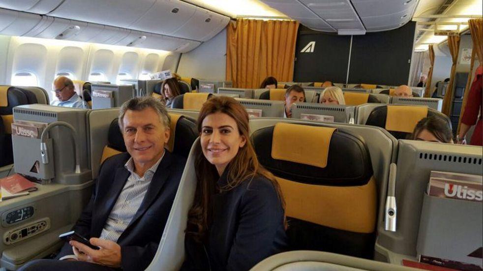 Mauricio Macri volvió a salir del país: viajó a Europa con Juliana Awada y su hija Antonia
