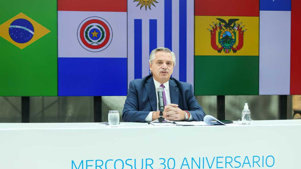 """Alberto Fernández encabezó la cumbre de presidentes del Mercosur y llamó a la """"integración regional"""""""