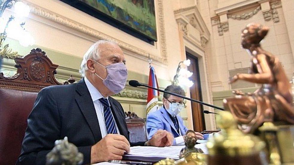 """Miguel Lifschitz presenta un """"cuadro crítico y cambiante"""" por coronavirus"""