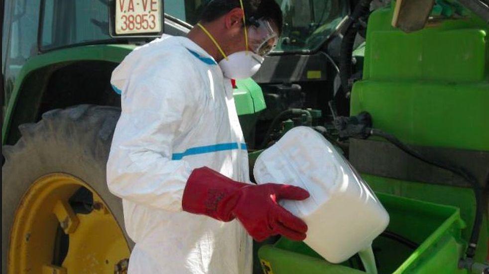 Los recaudos que hay que tener a la hora de mezclar productos en nuestra pulverizadora