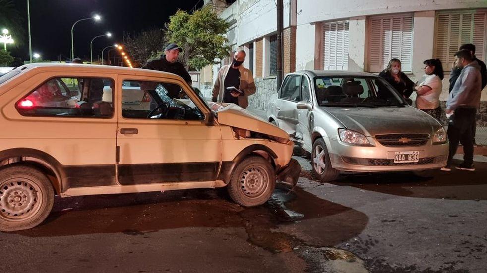 Un choque entre dos autos dejó como saldo a un menor herido
