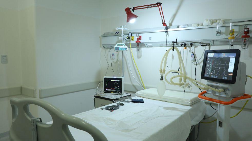 Segunda ola: hospitales provinciales ampliaron entre 100% y 700% las camas críticas