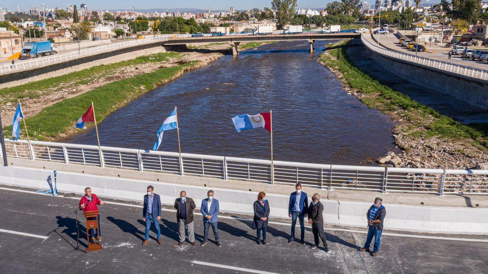 Quedó inaugurado el nuevo puente Sargento Cabral