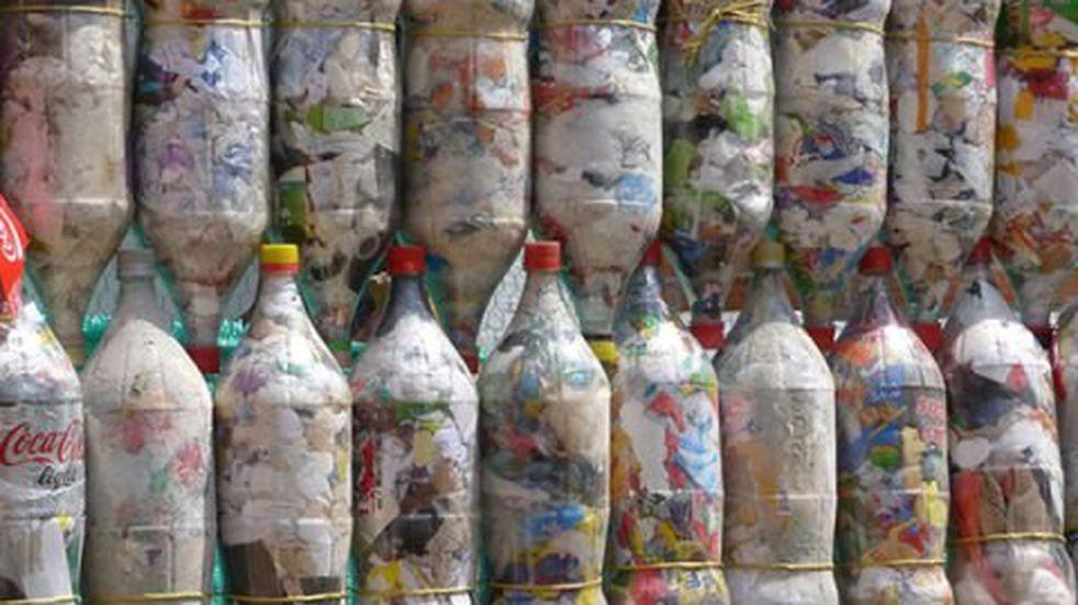 Aceite de cocina usado, tapitas y ecobotellas: los materiales reciclables que se podrán canjear en la Plaza Belgrano