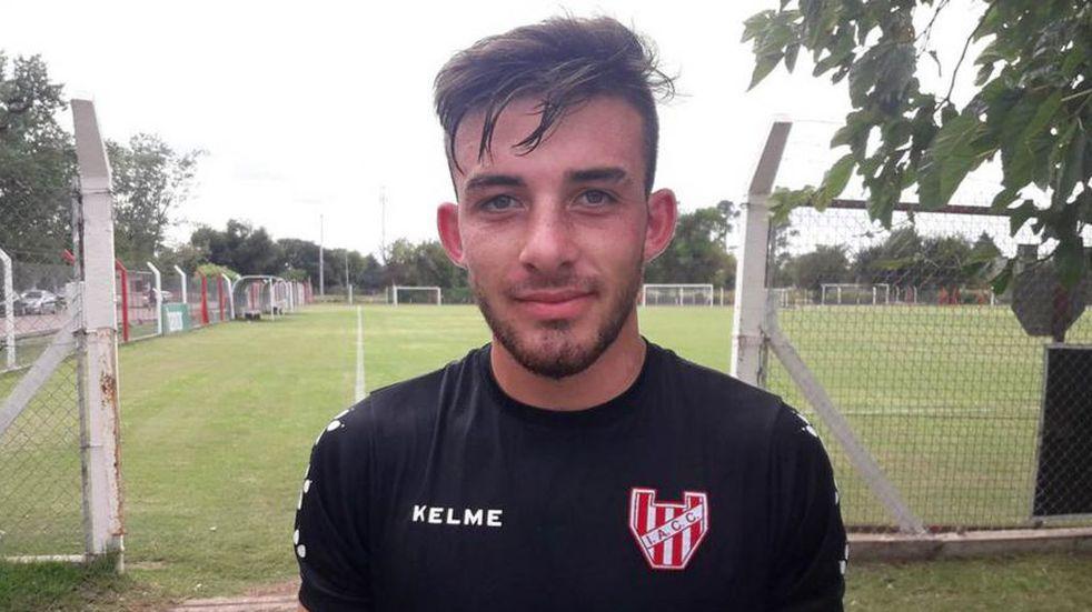 Juan Cruz Argüello futbolista de El Tío jugó su segundo partido en la primera de Instituto
