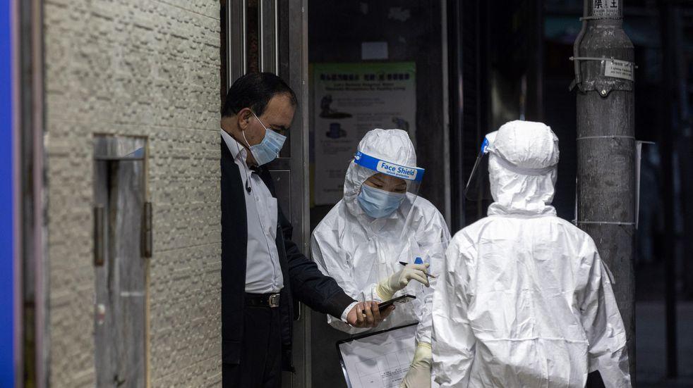 Dos ciudades chinas ya exigen tests anales de coronavirus a los llegados del extranjero