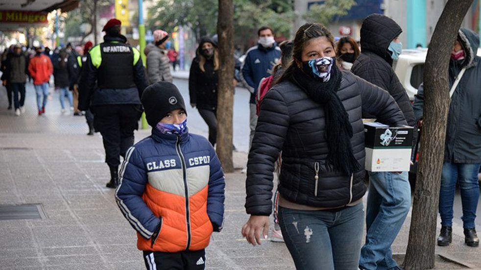 En las últimas 24 horas se reportaron 897 casos de coronavirus y 12 muertes en Tucumán