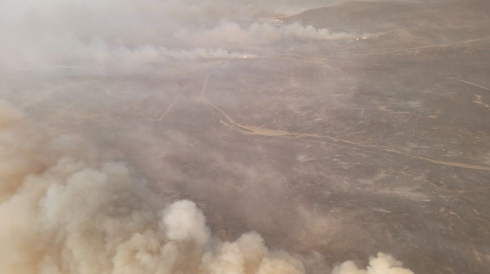 El voraz incendio en Caminiaga, al norte de Córdoba. Un hombre habría muerto al ser alcanzado por las llamas (Twitter Ministerio de Seguridad de Córdoba).