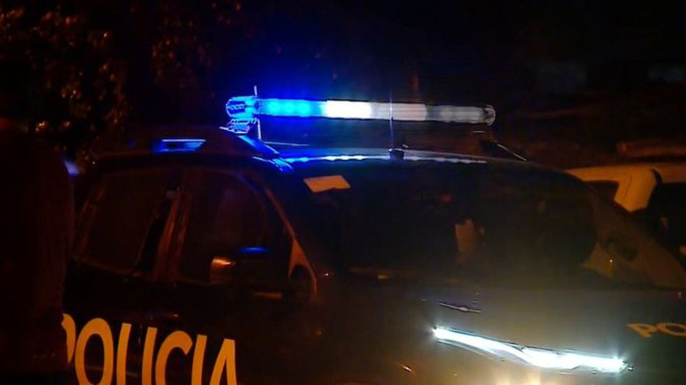 Delincuente golpeó a un policía, rompió un móvil e intentó escapar