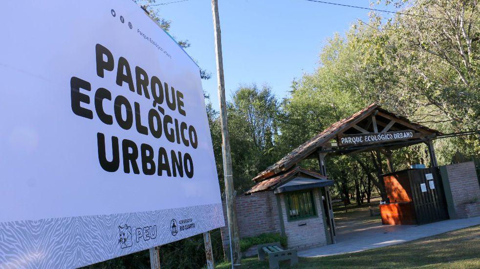 Entregaron maquinaria y 500 mil pesos al Parque Ecológico Urbano de Río Cuarto