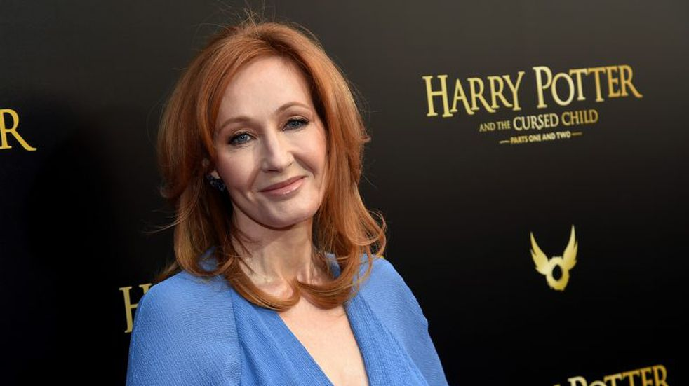 Denuncian casos de acoso en la fundación de J. K. Rowling, la autora de Harry Potter